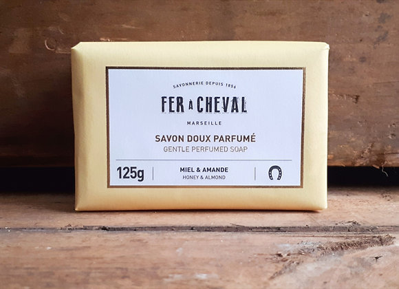 Savon Doux Parfumé Miel & Amande