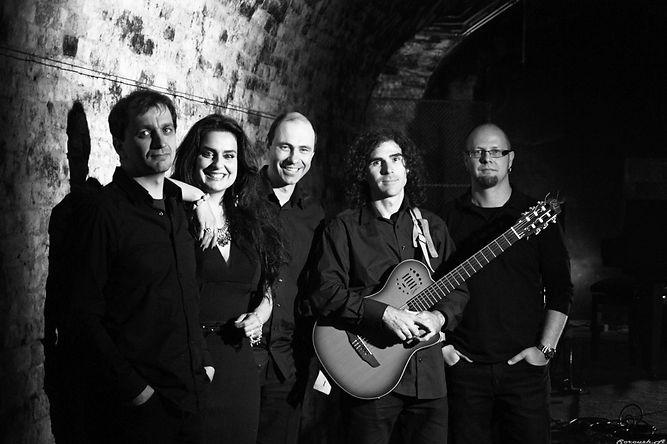 Yasmine Piruz & Band Yaspis.jpg