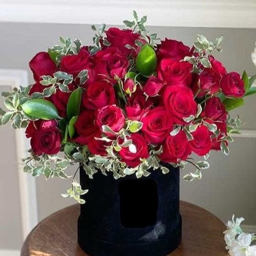 Valentine's Day 50 Roses In a Black Velvet Box