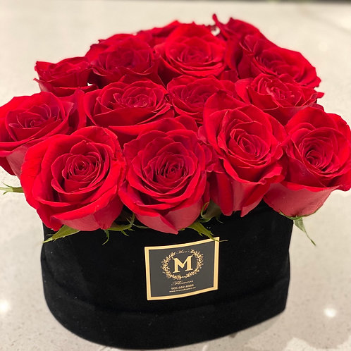 Velvet Heart Box Dozen Rose(pinkbox-only)