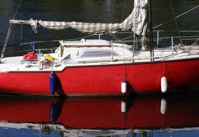 punainen purjevene