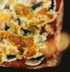 Pizza @ la pâte de courgettes