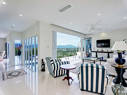 Professional Real Estate photo