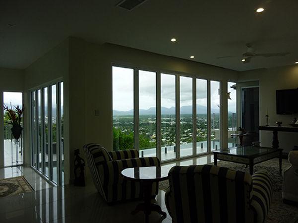 Livingroom before.JPG