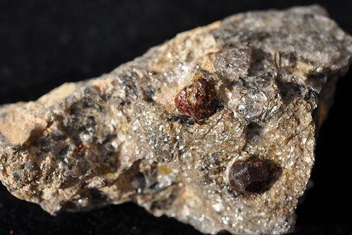7761-АВ Гранат, мусковит, кварц
