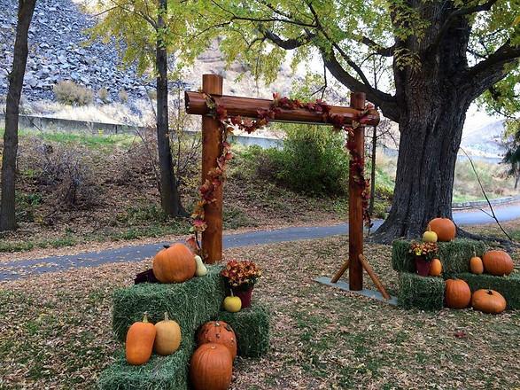Outdoor Oct Wedding