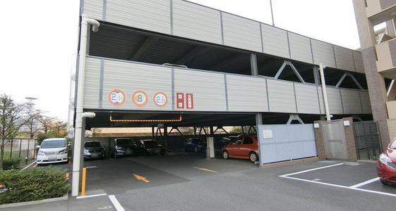 テン西駐車場