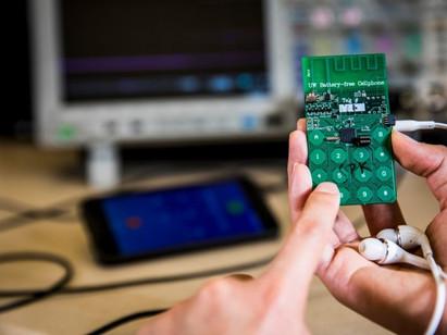 Un portable sans batterie fonctionnant à l'énergie solaire !
