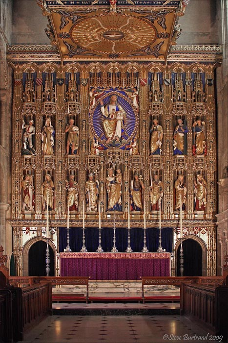 54 The Sir Ninian Comper Altar Screen (Installed 1922) - Wymondham Abbey (40D_1550)