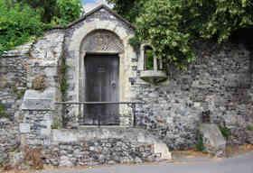 Gates_15 by Adrian Charlton.jpg