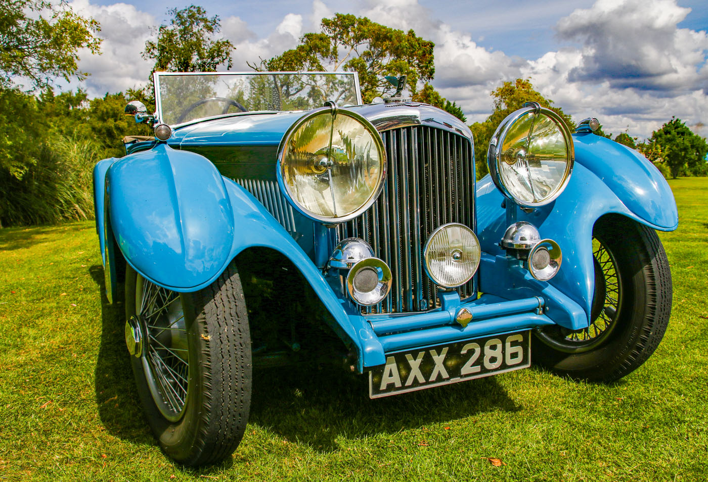 THE BLUE BENTLEY by Richard Peters_edited-1