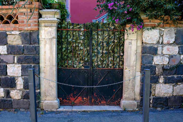 Gates_28 by Travers Bean.jpg