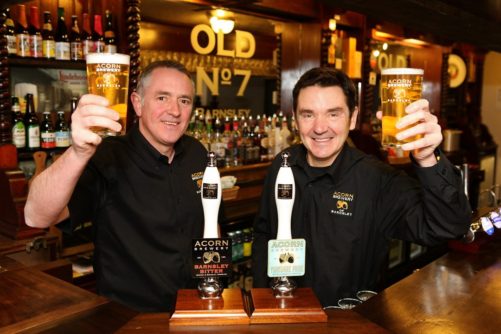 Picture of Dave Hughes and David Broadhead in Acorn Brewery's Old No 7 pub