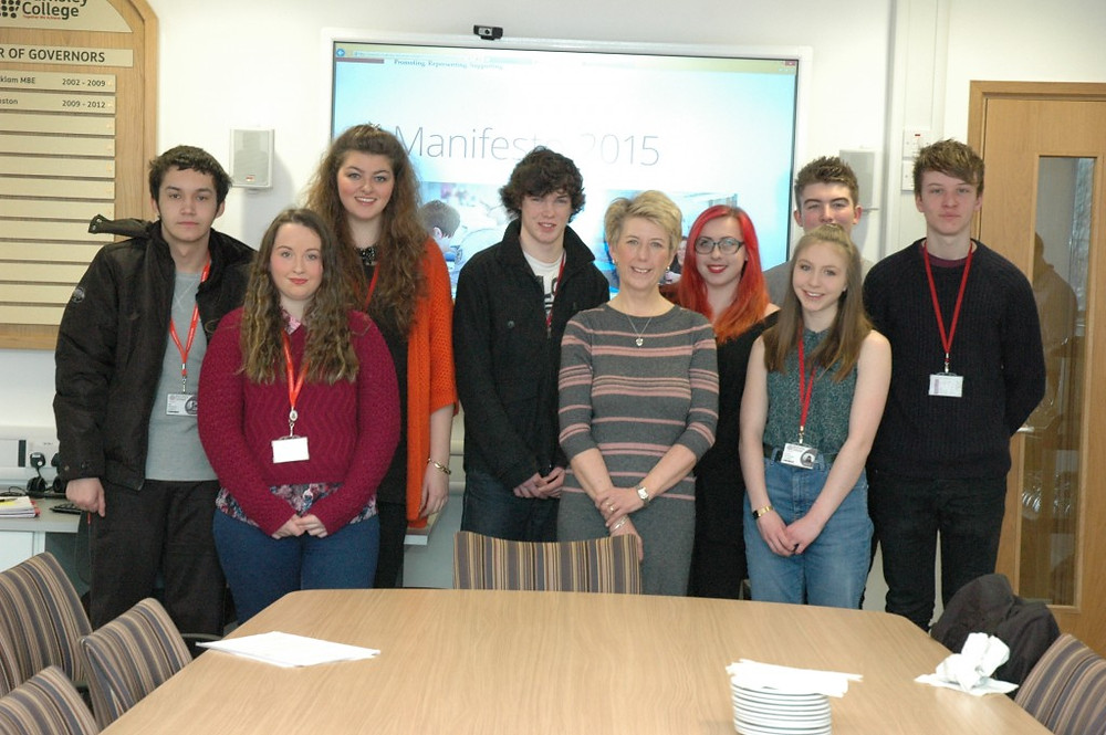 Picture of Angela Smith and Students