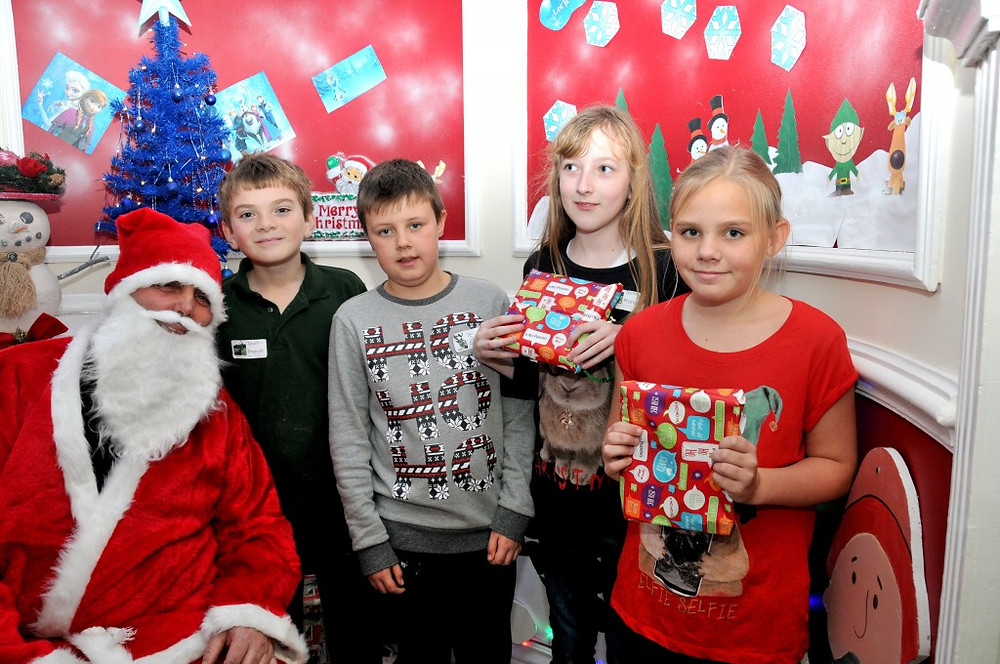 Picture of Barugh Green Primary Pupils and Santa