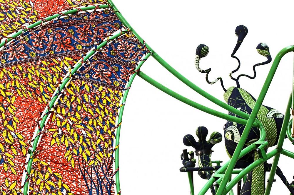 yinka-shonibare-mbe-alien-man-on-flying-machine-2011-courtesy-the-artist-and-anna-schwartz-gallery-sydney