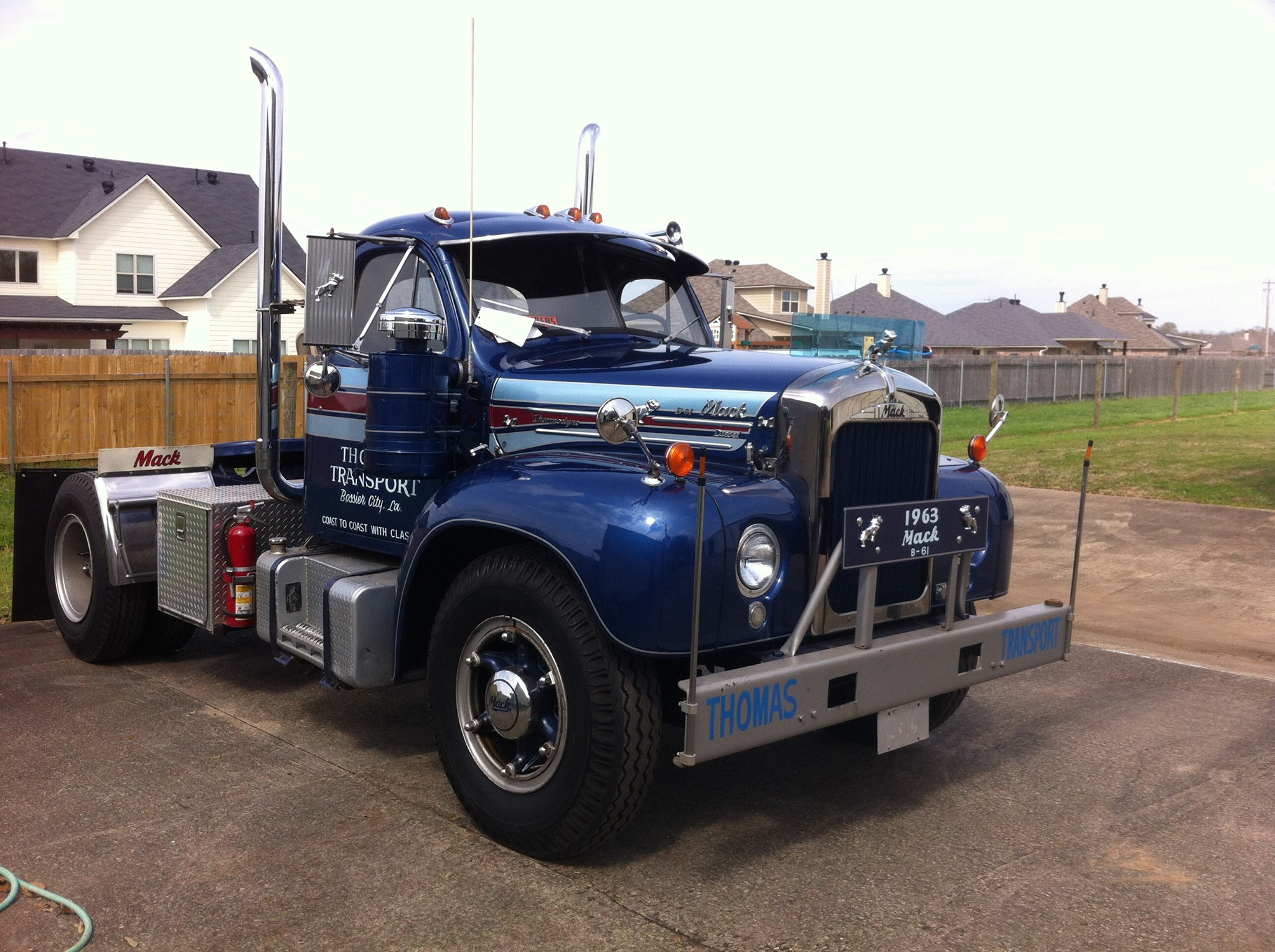 SOLD 1960 B61 Mack