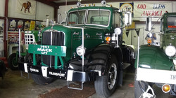 SOLD 1951 LY Mack