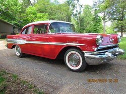 1957 Pontiac Chieftain 2 Door Post S