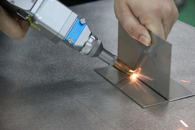 handed laser welding machine02-HGTECH.JP