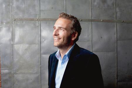 Eroi moderni: Alexandre Mars, il milionario filantropo che insegna che la vera ricchezza è la genero