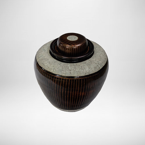 Egg Shell Pot With Japanese Design
