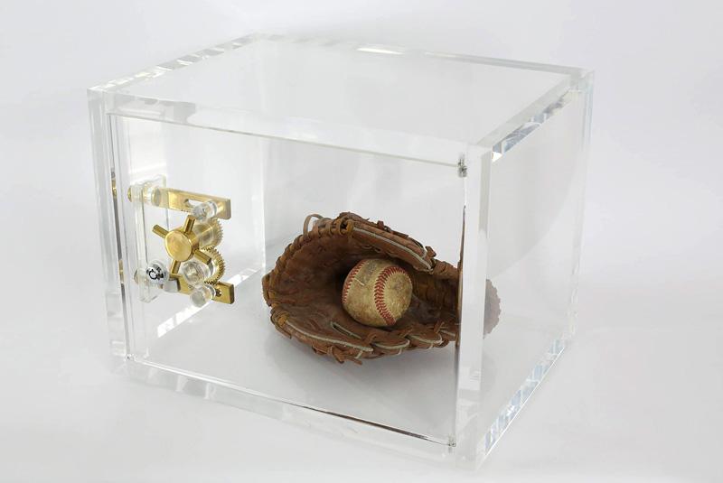 Cofre 2153 - Luva e Bola de Beisebol