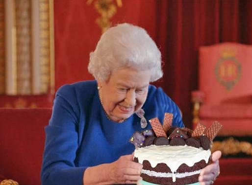 La Reine Elizabeth II a dû faire son propre gâteau