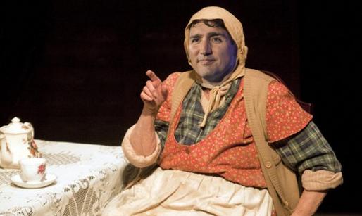 Trudeau en Sagouine pour sa visite en Acadie