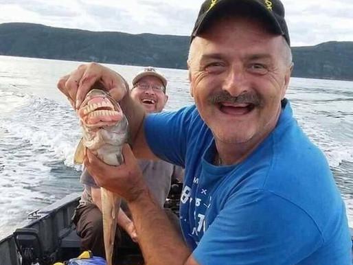 Il retrouve son dentier dans la bouche d'un poulamon