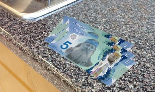 Des faux billets de banque de 5$ en circulation à Moncton