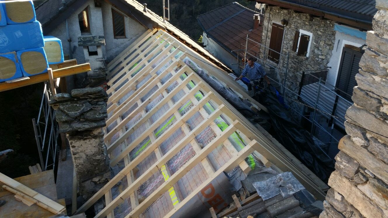 Risanamento tetto a Intragna (5)