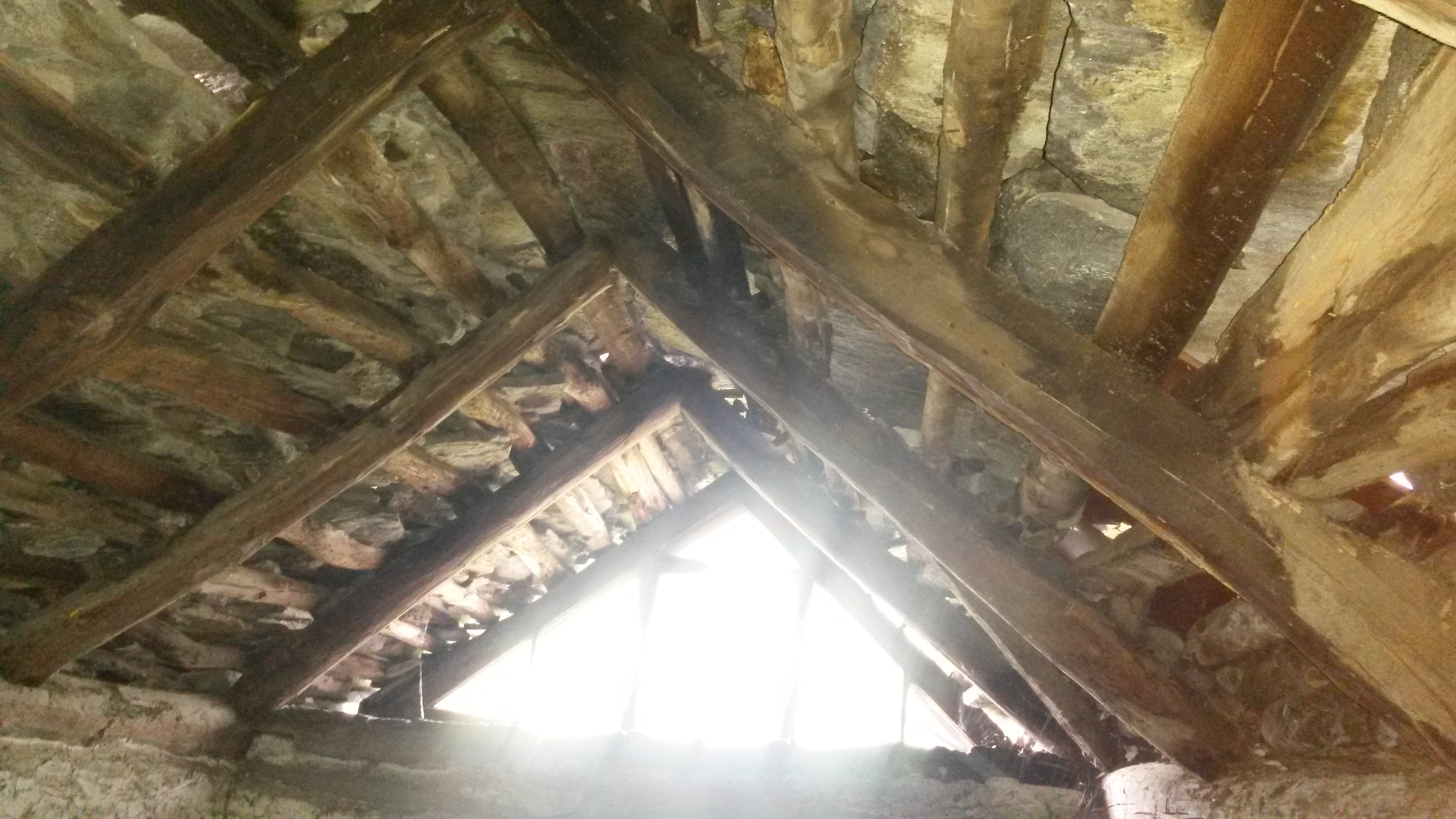 Risanamento tetto a Intragna (8)