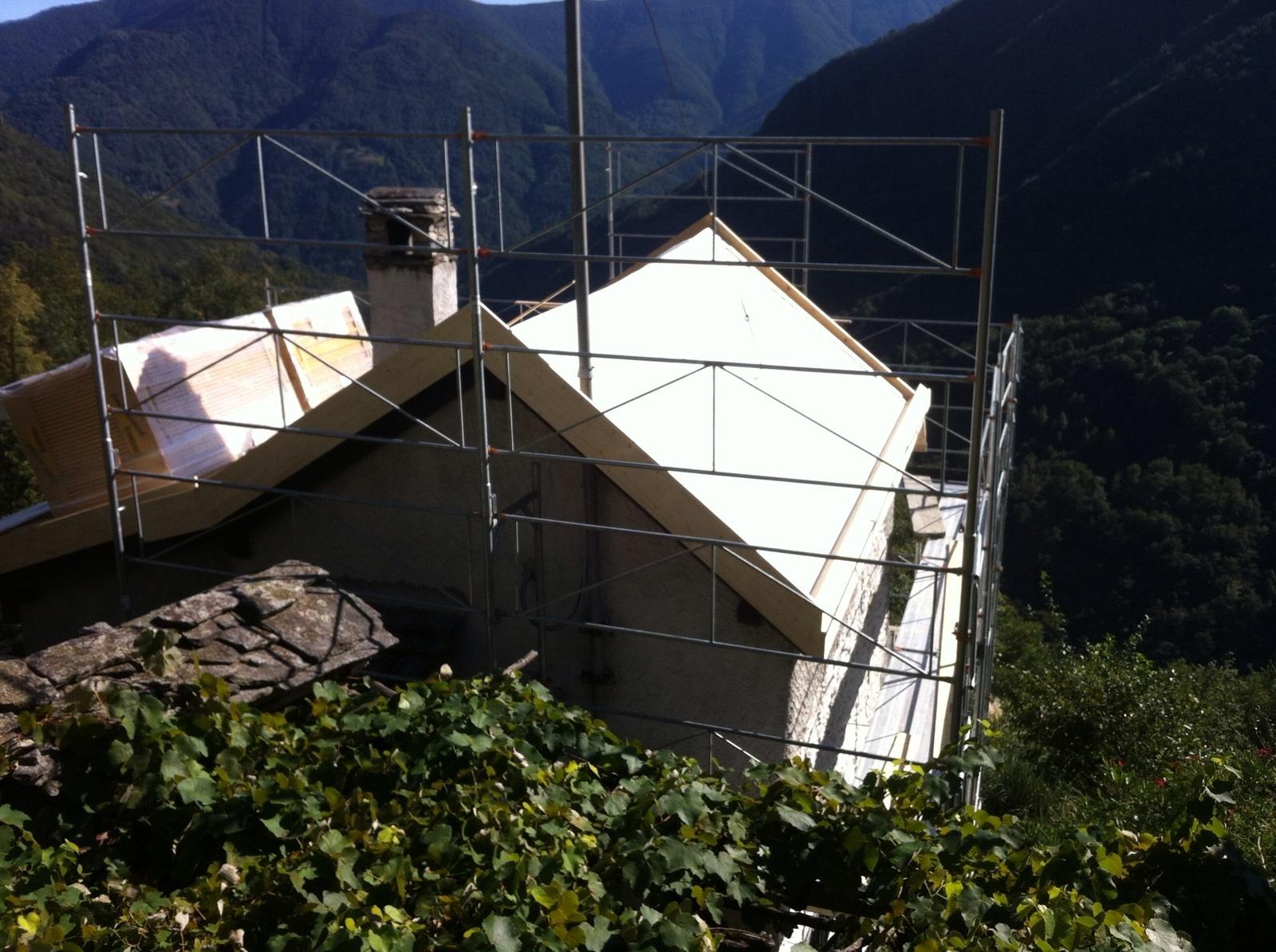 Risanamento tetto ad Auressio (3)