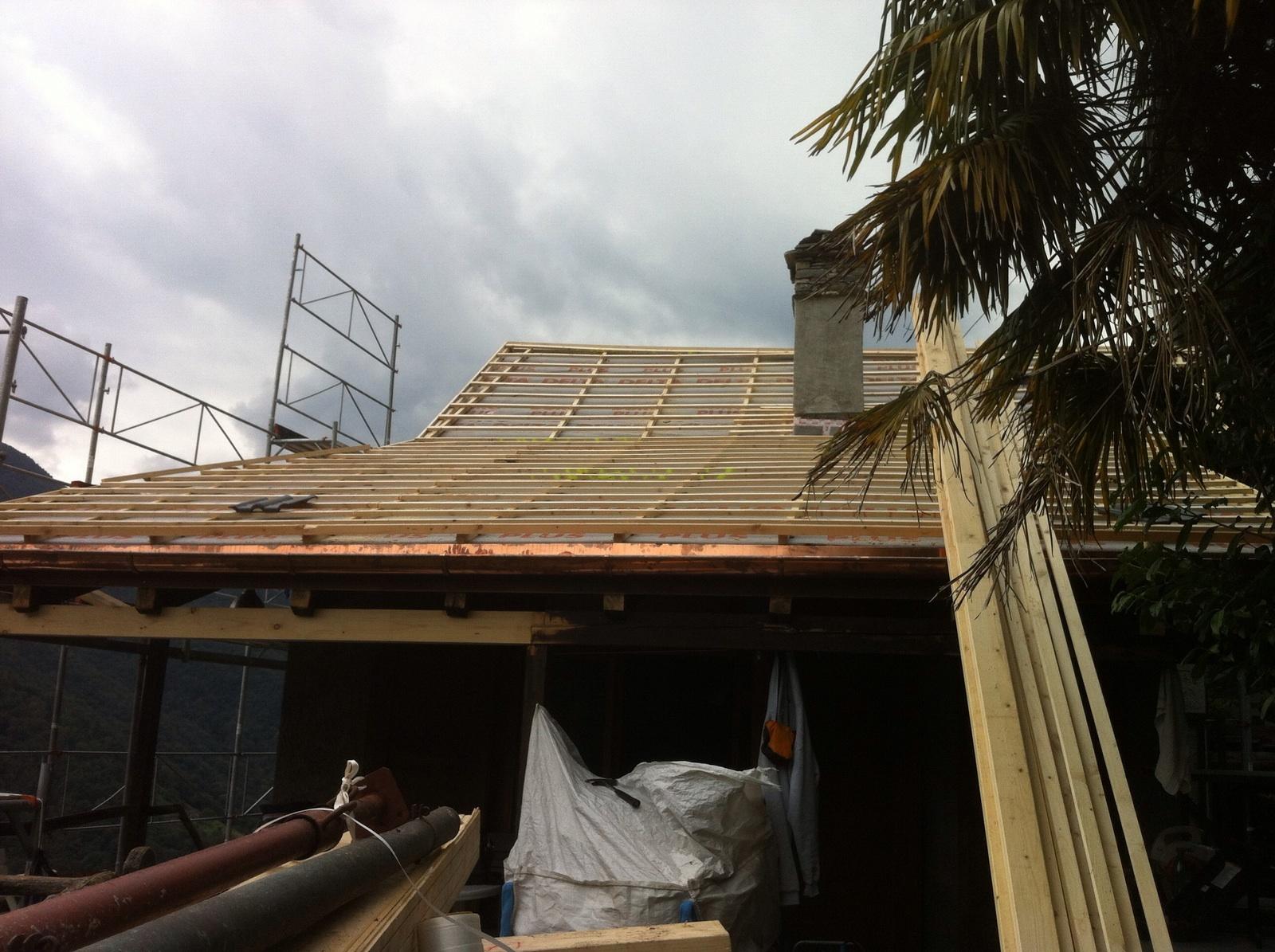 Risanamento tetto ad Auressio (4)