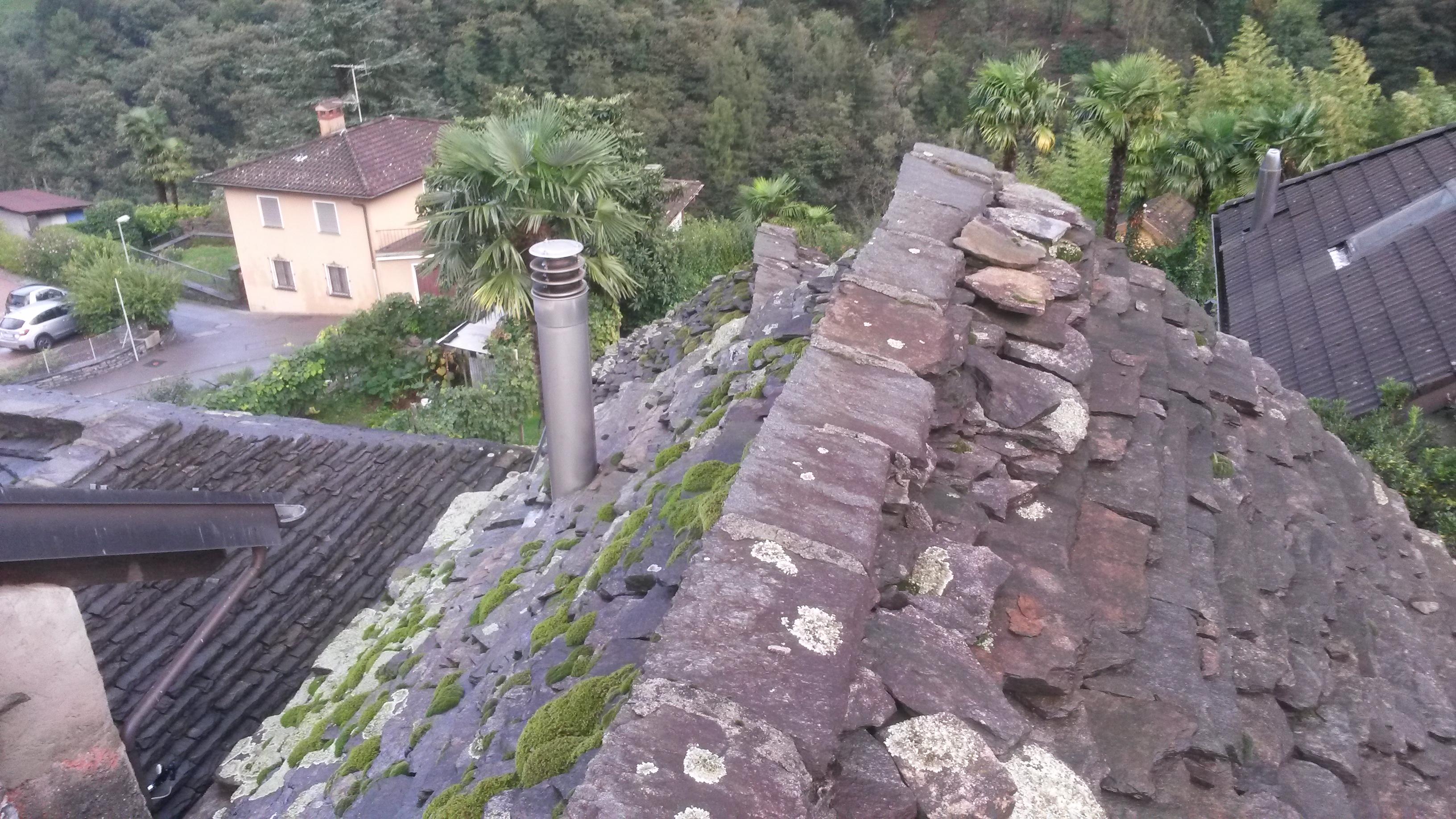 Risanamento tetto a Intragna (1)