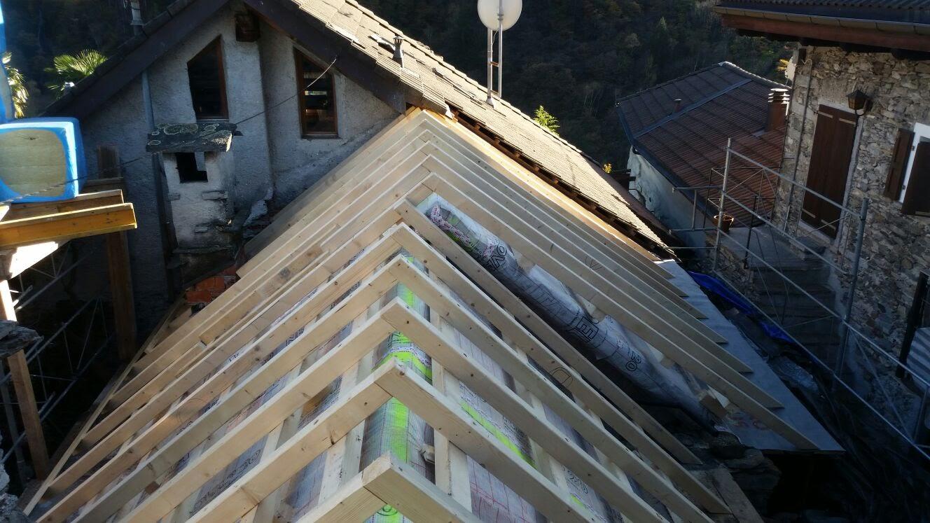 Risanamento tetto a Intragna (3)