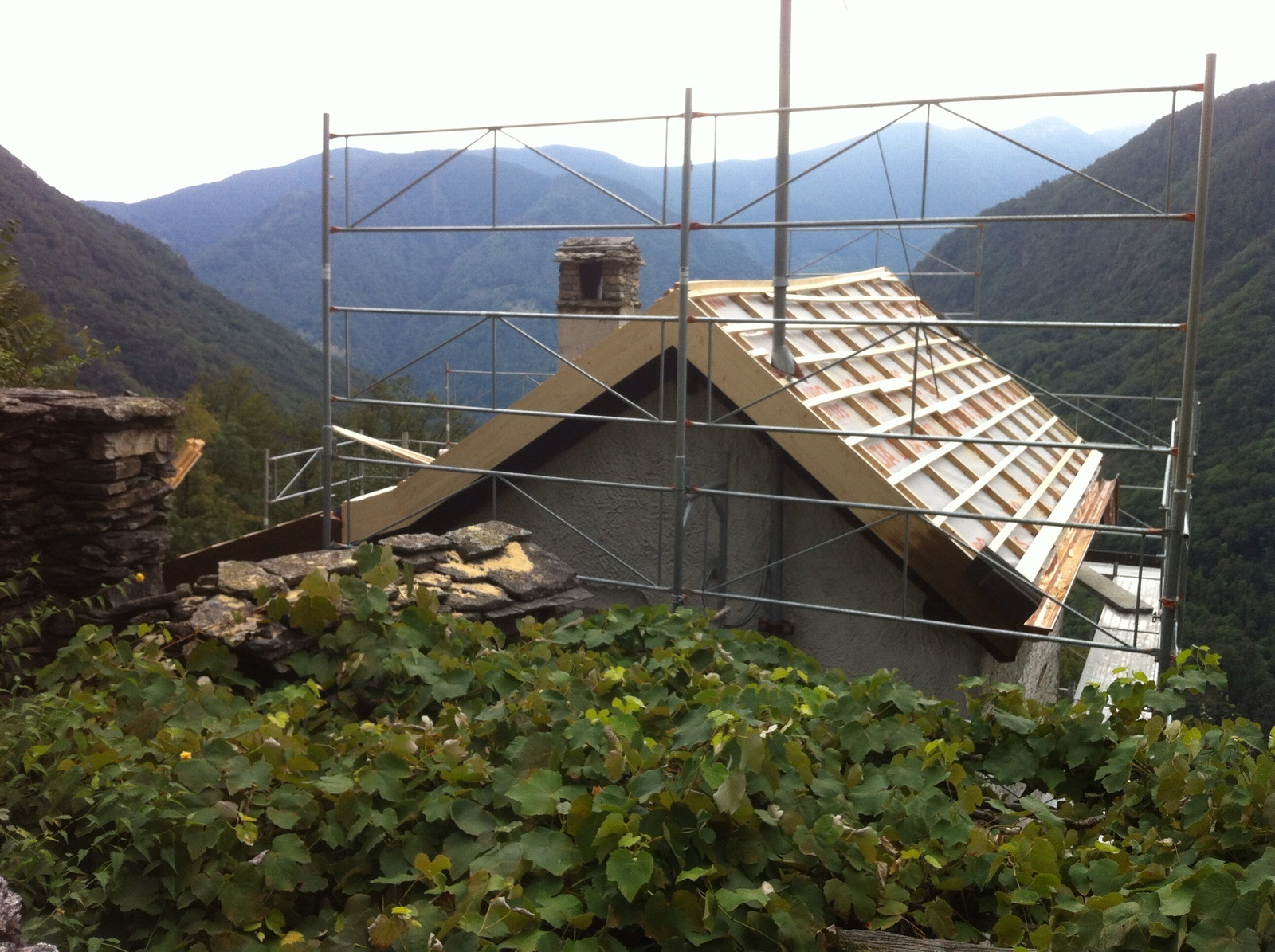 Risanamento tetto ad Auressio (8)
