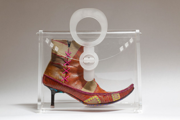 Striding in Purses (9), 2010, mixed media inside a perspex purse