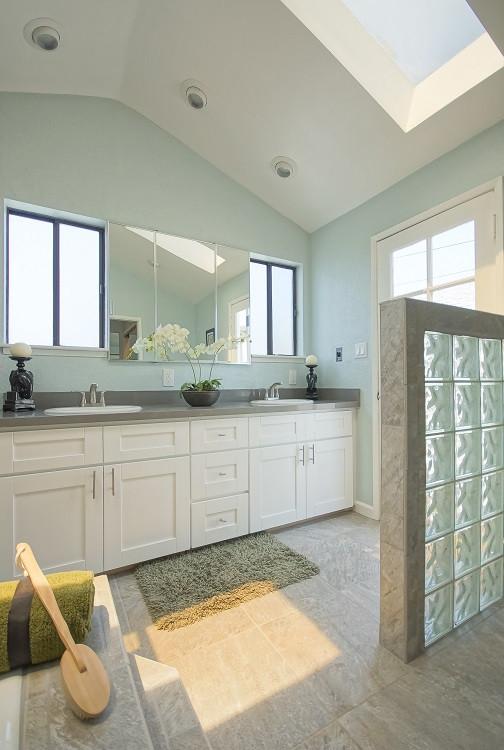 Master Bathroom-2 - Resized.jpg