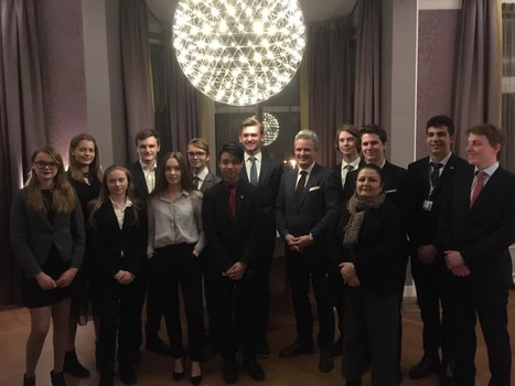 Students travel to The Hauge for THIMUN