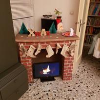Fausse cheminée pour le noël rouge et vert