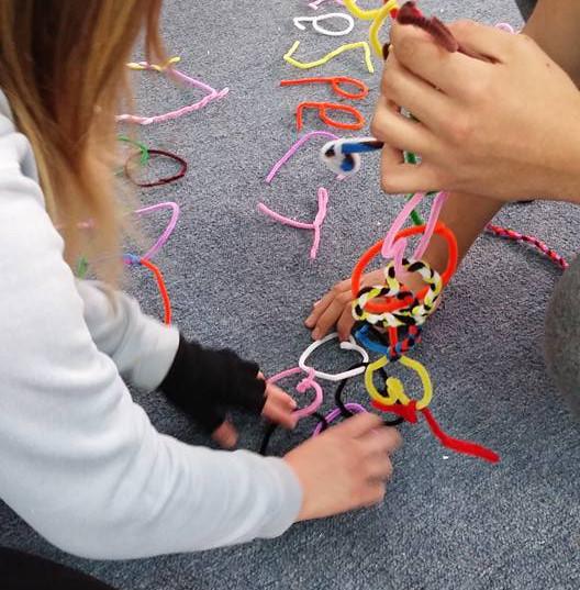 סדנא: חשיבה יצירתית ושימוש בדימיון ככלים לעבודה בקבוצה