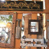 木彫りのレリーフミラー