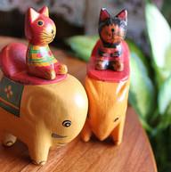 ゾウさんと猫