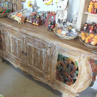 古木のレリーフサイドボード