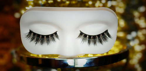 Masque Lashes (Crowned)