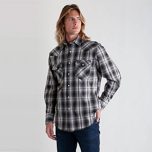 # MVG204M Wrangler snap front long sleeve western shirt
