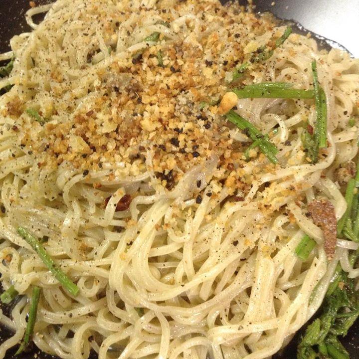 Facebook - ブルスカンドリのビアンコ taglioliniで って、食べ過ぎた。。。 フリットの方が美味いwww  しかし、最近賄いの写真しか撮ってな