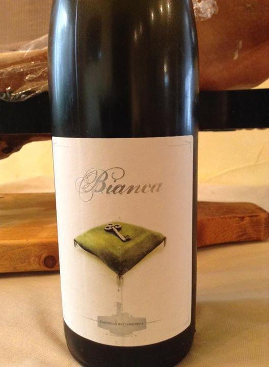 Facebook - バルベラの白ワイン  本日6月10日(水)も、18時オープン、23時ラストオーダーとなります! お席ご用意できます。 ワイン一杯より、お待